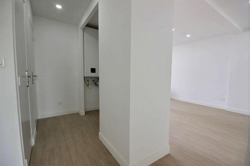 Appartement à louer 3 54.83m2 à Marseille 14 vignette-8