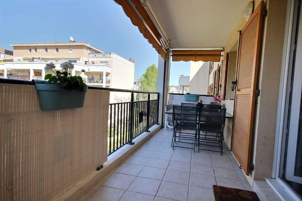 Appartement à louer 2 46.66m2 à Marseille 11 vignette-1