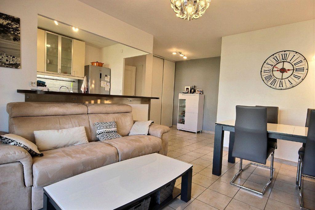 Appartement à louer 2 46.66m2 à Marseille 11 vignette-4