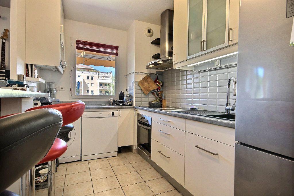 Appartement à louer 2 46.66m2 à Marseille 11 vignette-5