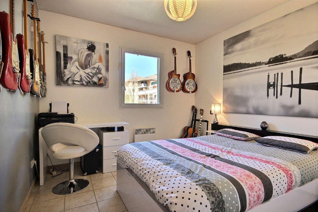 Appartement à louer 2 46.66m2 à Marseille 11 vignette-6