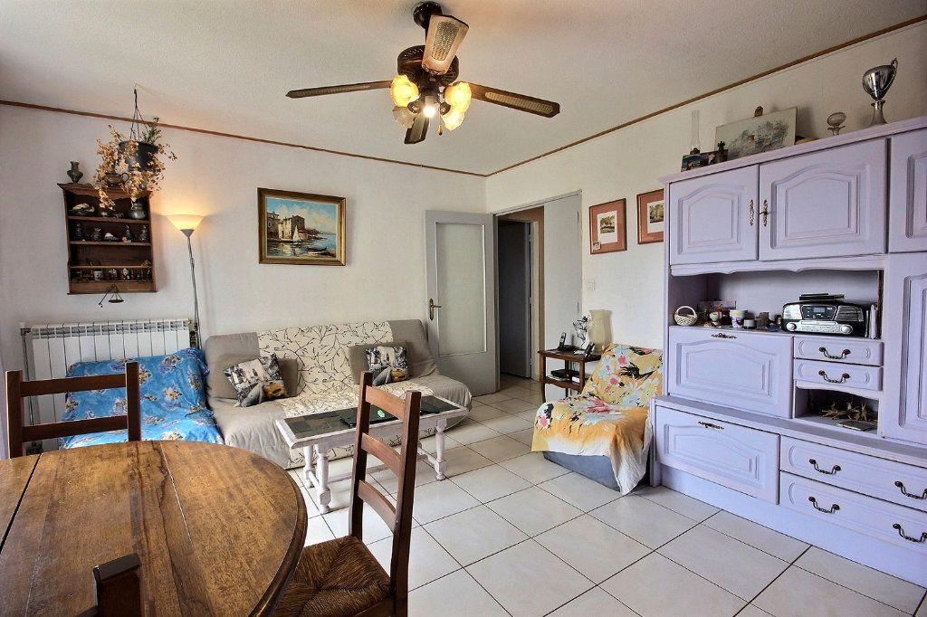 Appartement à vendre 4 73m2 à Marseille 11 vignette-2