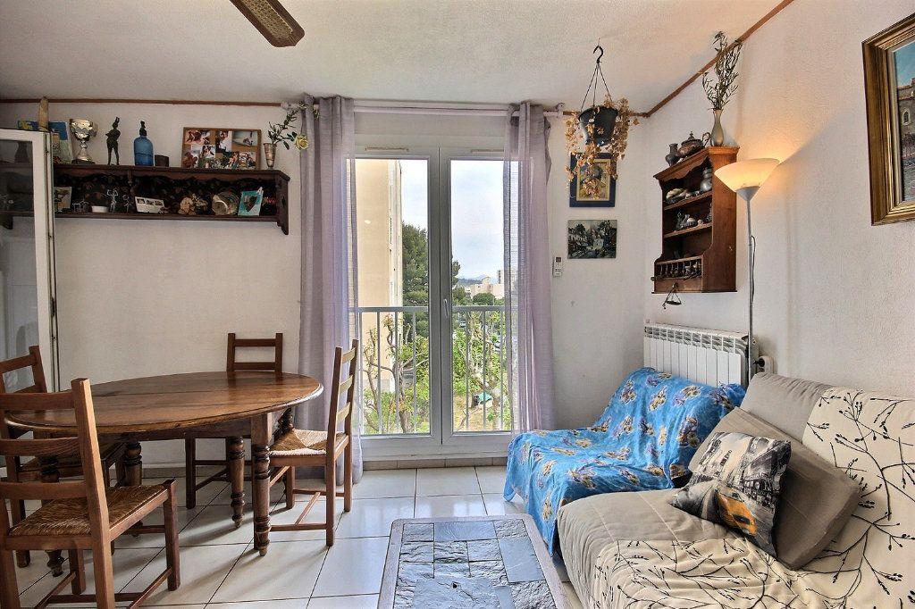 Appartement à vendre 4 73m2 à Marseille 11 vignette-3