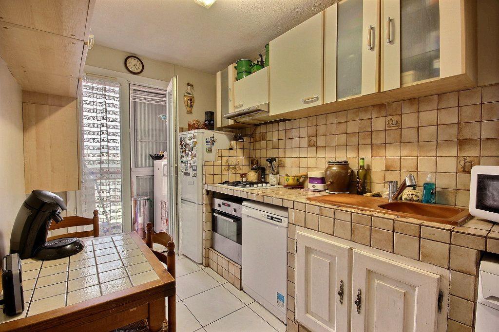 Appartement à vendre 4 73m2 à Marseille 11 vignette-4