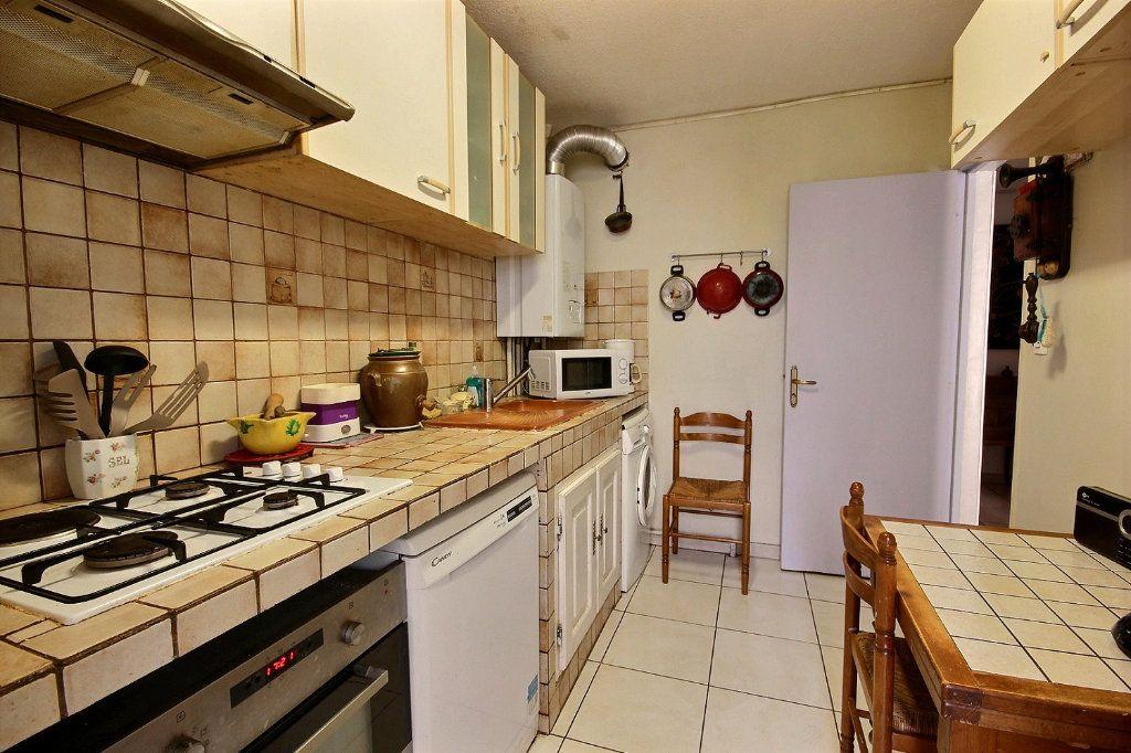 Appartement à vendre 4 73m2 à Marseille 11 vignette-5