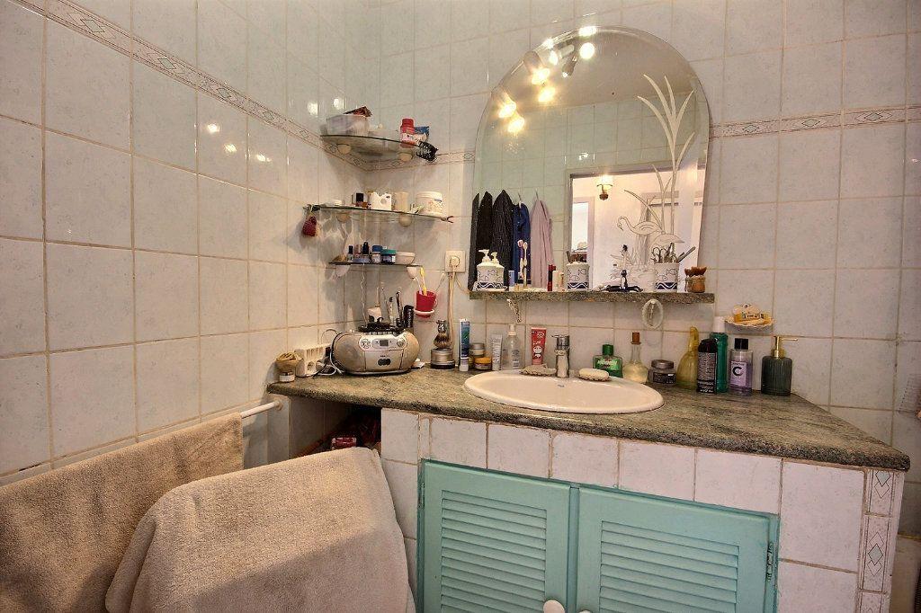 Appartement à vendre 4 73m2 à Marseille 11 vignette-6