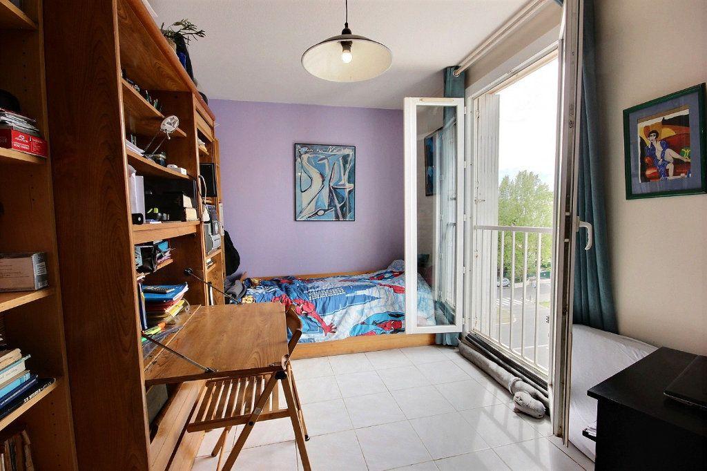 Appartement à vendre 4 73m2 à Marseille 11 vignette-7