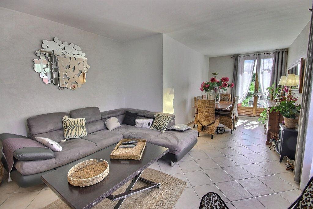 Appartement à vendre 3 68.38m2 à Marseille 12 vignette-1