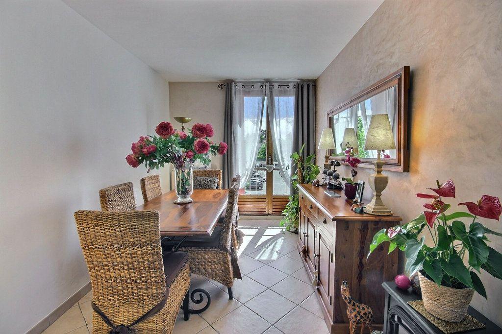 Appartement à vendre 3 68.38m2 à Marseille 12 vignette-4