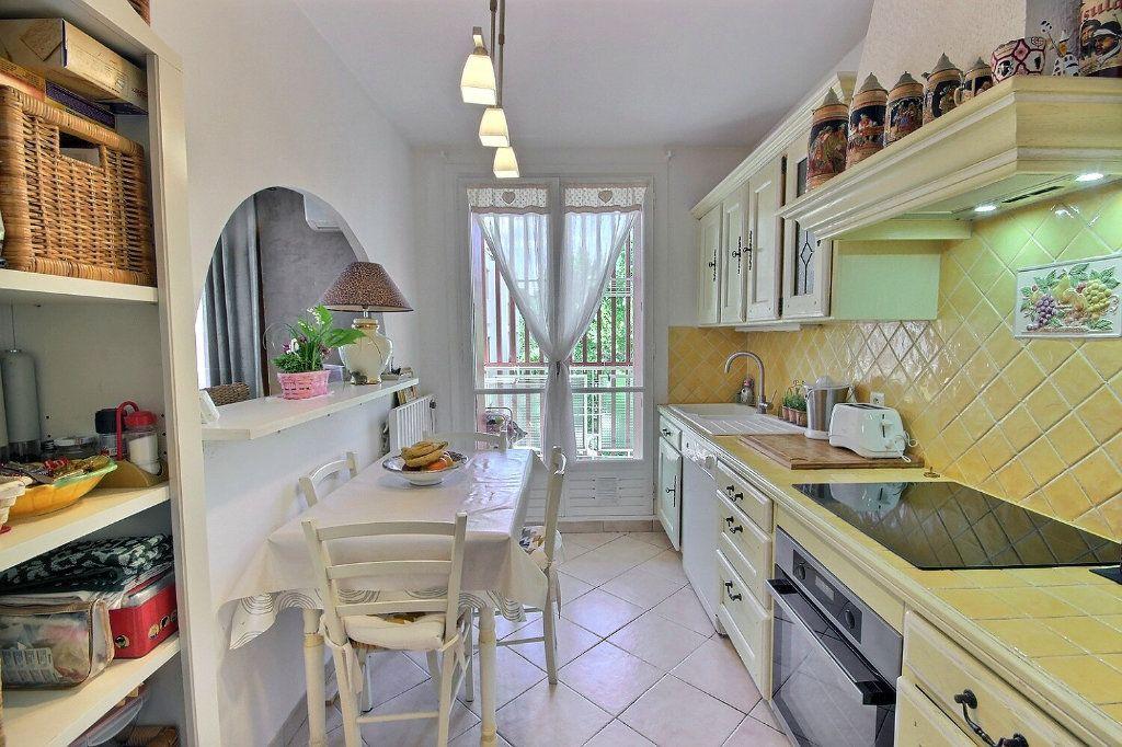 Appartement à vendre 3 68.38m2 à Marseille 12 vignette-5