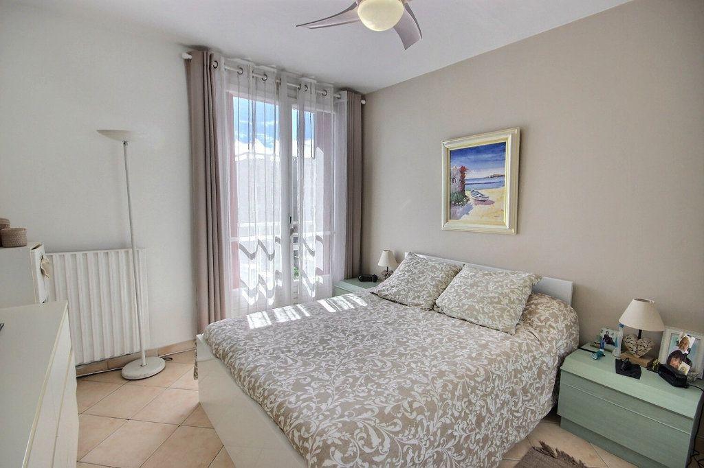 Appartement à vendre 3 68.38m2 à Marseille 12 vignette-6