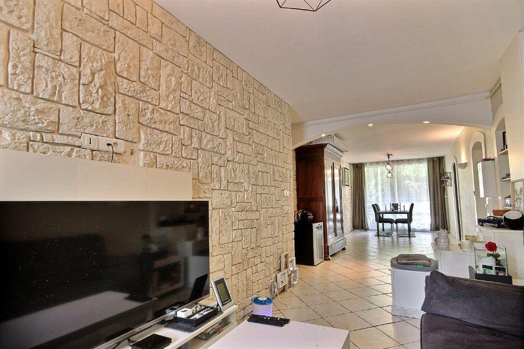 Appartement à vendre 4 72m2 à Marseille 12 vignette-3
