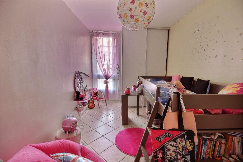 Appartement à vendre 4 72m2 à Marseille 12 vignette-4