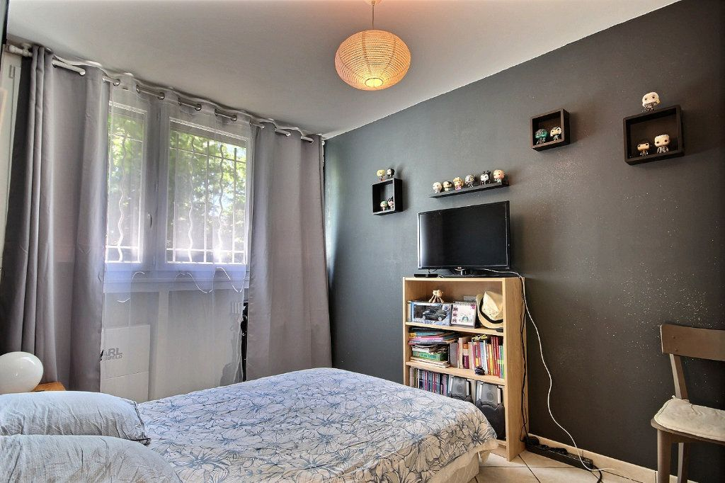 Appartement à vendre 4 72m2 à Marseille 12 vignette-5