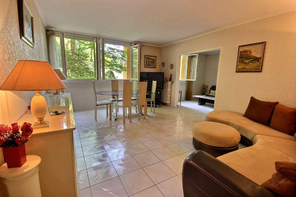 Appartement à vendre 4 75m2 à Marseille 12 vignette-1