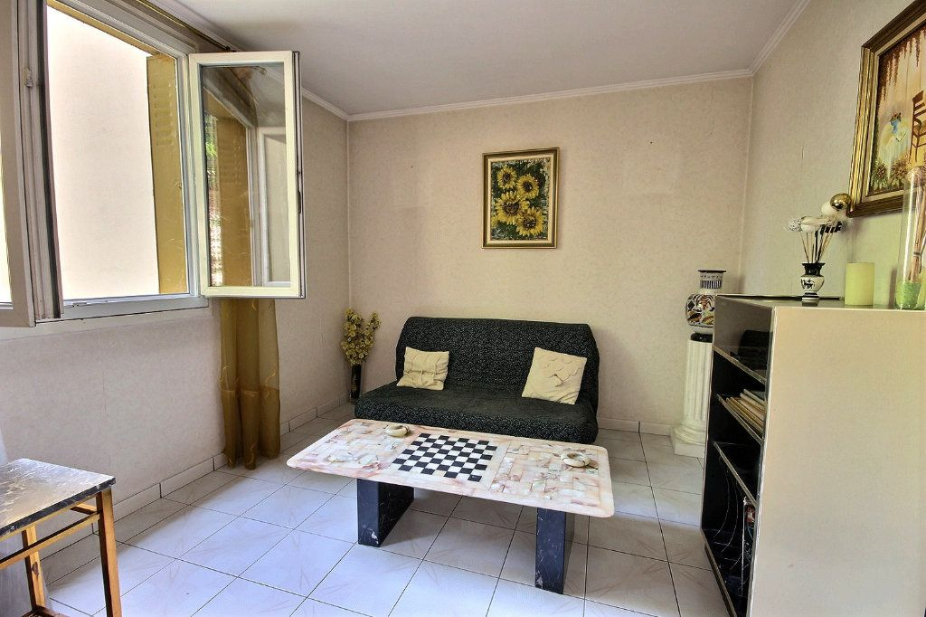 Appartement à vendre 4 75m2 à Marseille 12 vignette-12