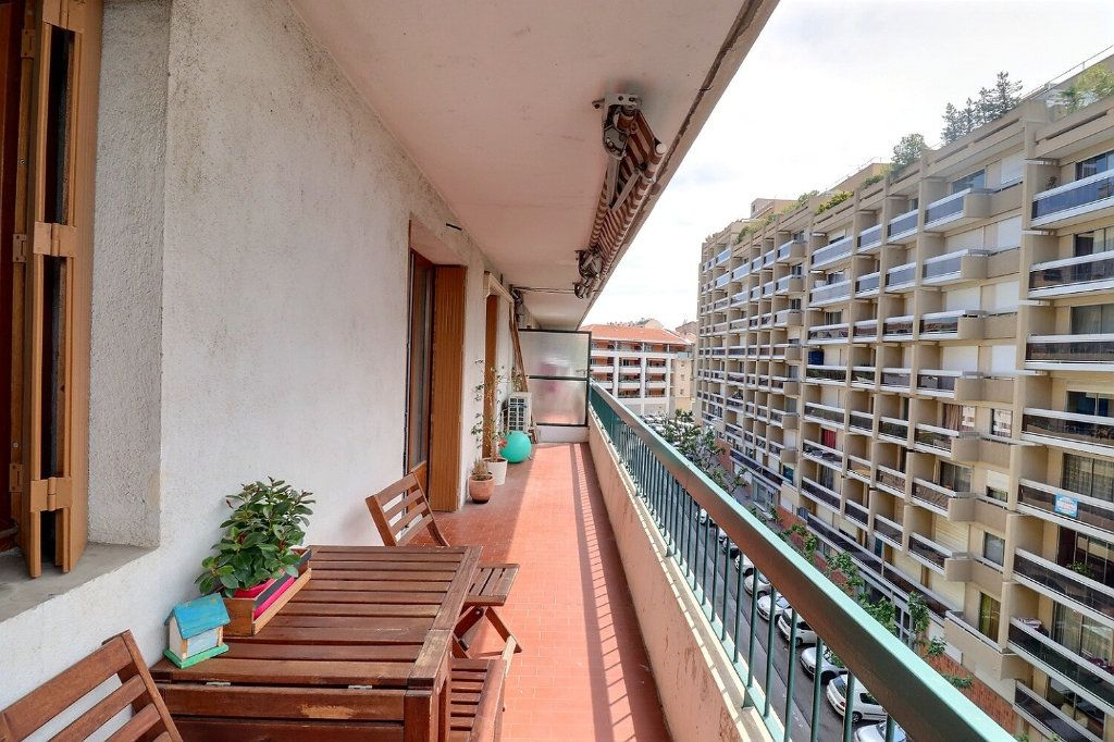 Appartement à vendre 3 78m2 à Marseille 1 vignette-2