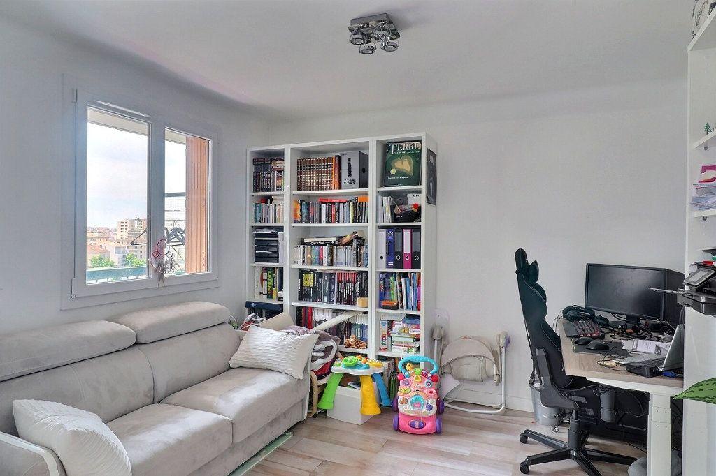 Appartement à vendre 3 78m2 à Marseille 1 vignette-3