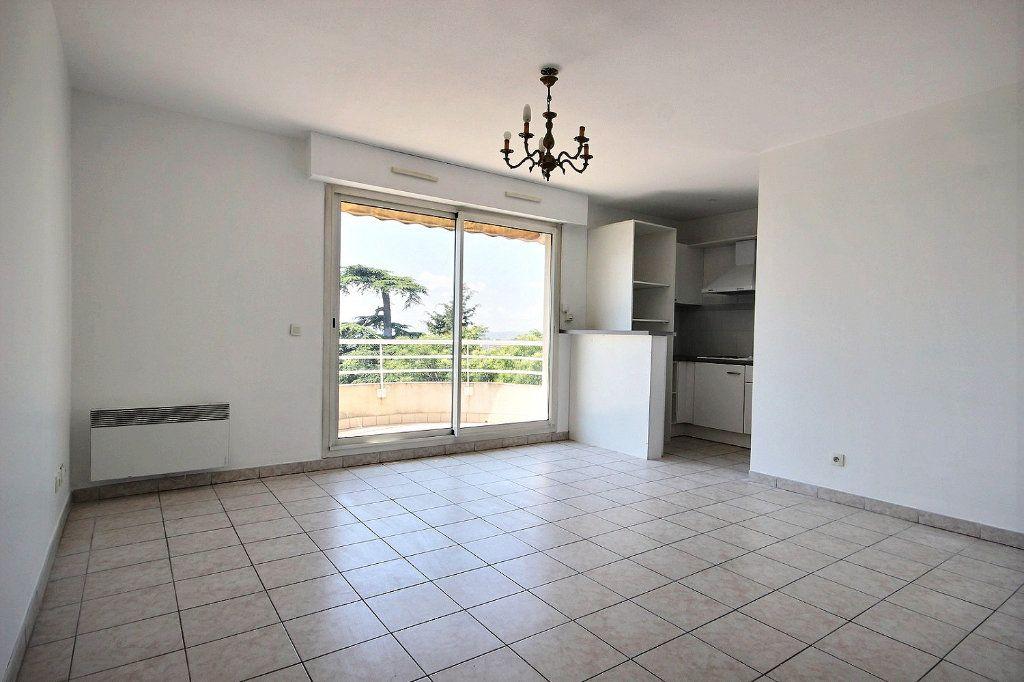 Appartement à louer 3 58.35m2 à Marseille 12 vignette-3