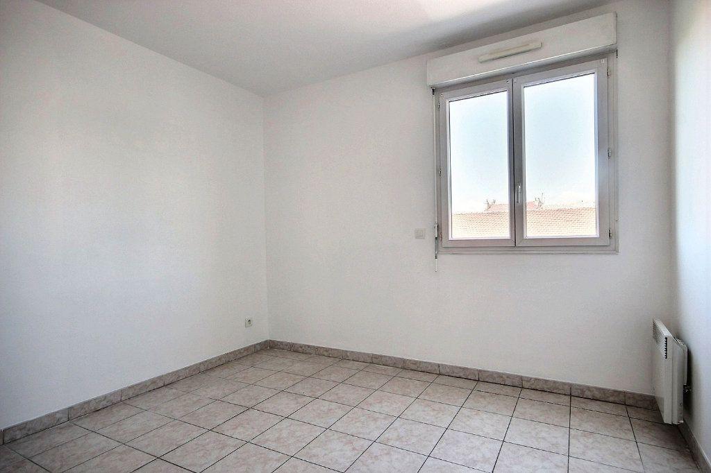 Appartement à louer 3 58.35m2 à Marseille 12 vignette-9