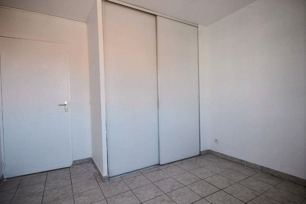 Appartement à louer 3 58.35m2 à Marseille 12 vignette-10