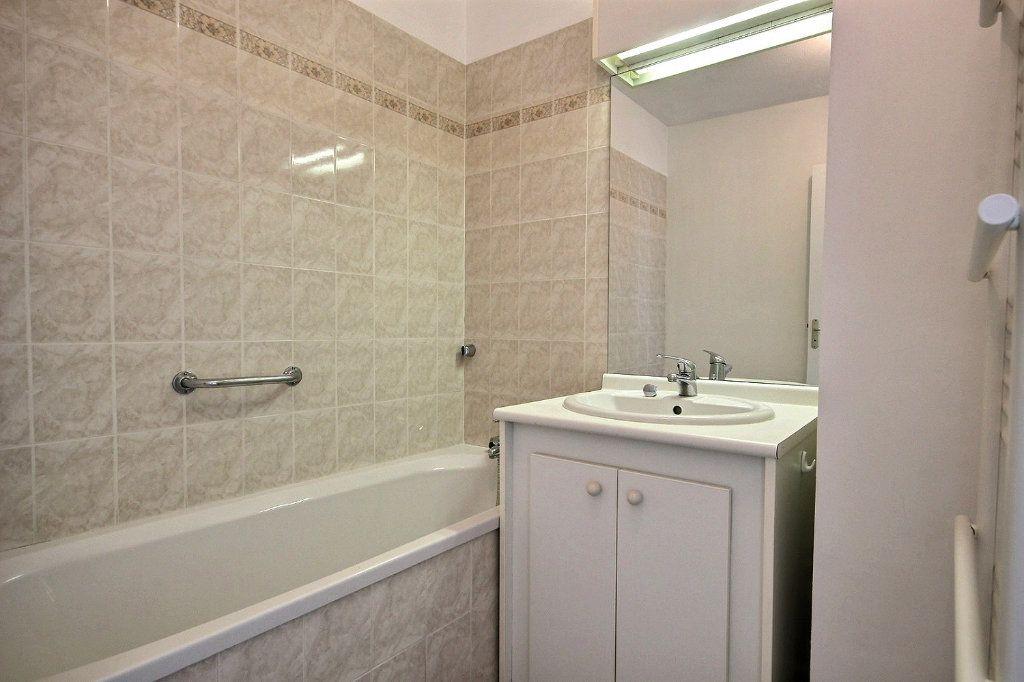 Appartement à louer 3 58.35m2 à Marseille 12 vignette-11