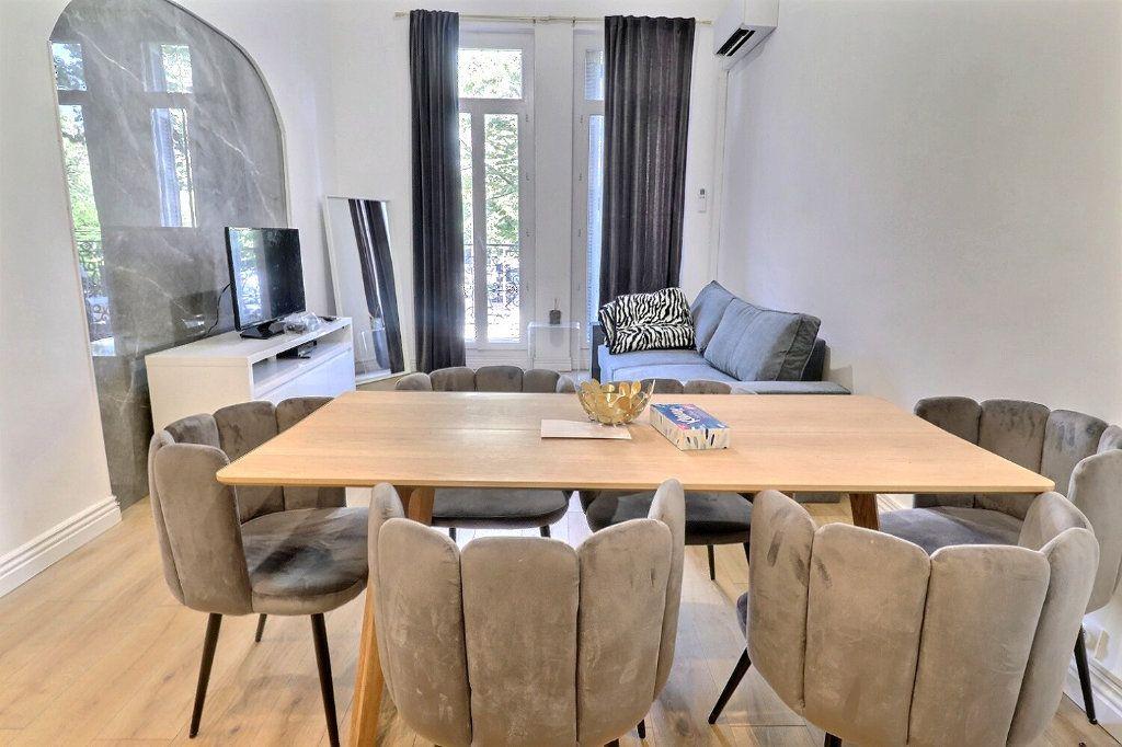 Appartement à vendre 3 54m2 à Marseille 8 vignette-2