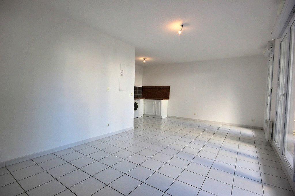 Appartement à louer 1 33.37m2 à Marseille 14 vignette-3