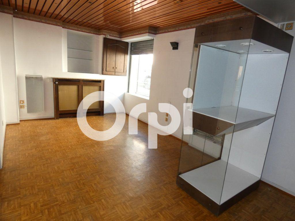 Immeuble à vendre 0 207m2 à Fère-en-Tardenois vignette-7