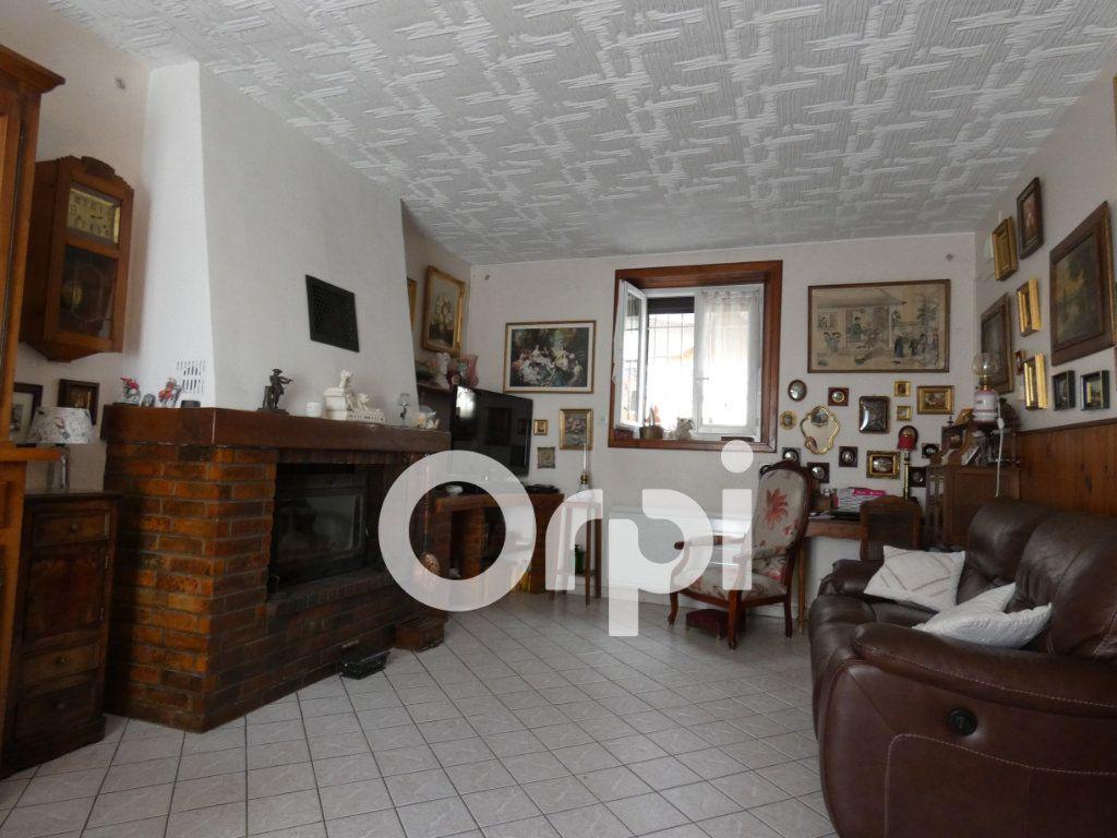 Maison à vendre 10 295m2 à Beugneux vignette-3