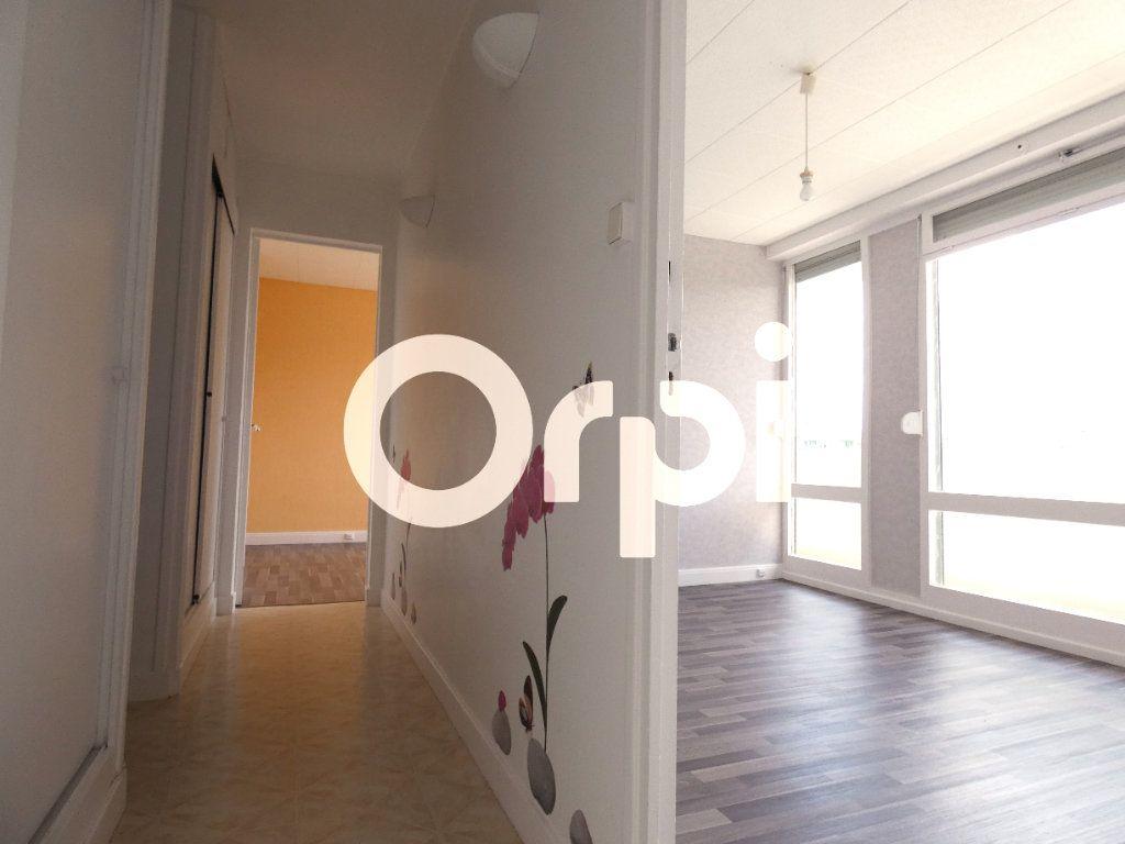 Appartement à vendre 5 88m2 à Soissons vignette-2