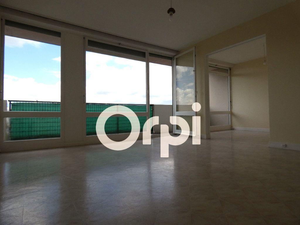 Appartement à vendre 5 88m2 à Soissons vignette-4