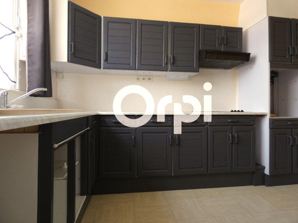 Appartement à vendre 5 88m2 à Soissons vignette-5