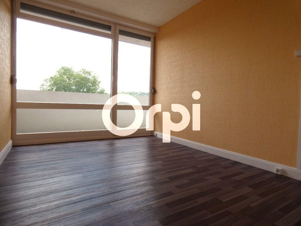 Appartement à vendre 5 88m2 à Soissons vignette-7