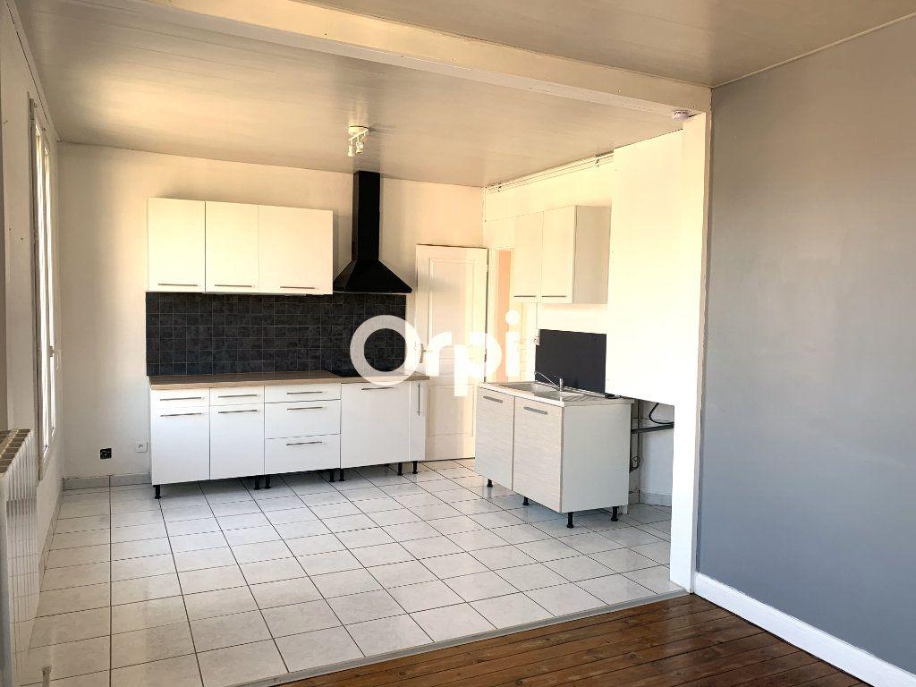 Appartement à louer 2 51.66m2 à Soissons vignette-2