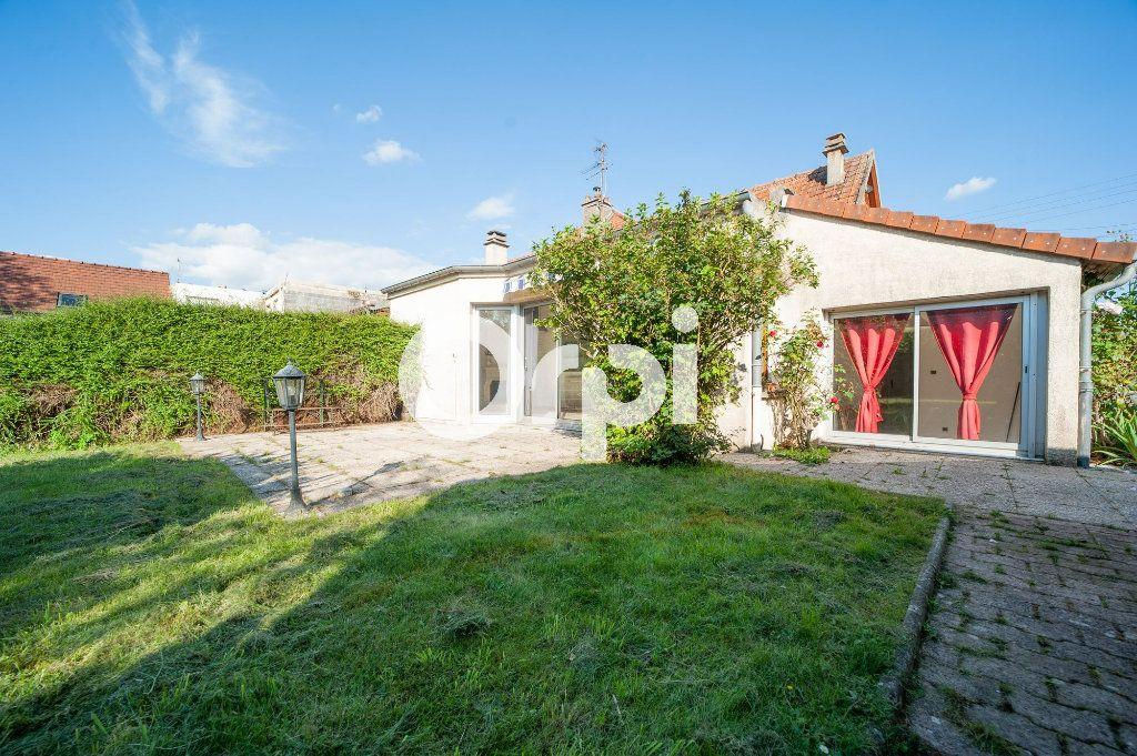 Maison à vendre 5 106m2 à Soissons vignette-10