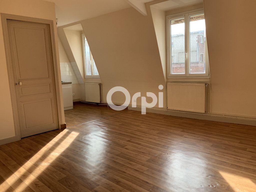 Appartement à louer 4 63.65m2 à Soissons vignette-1