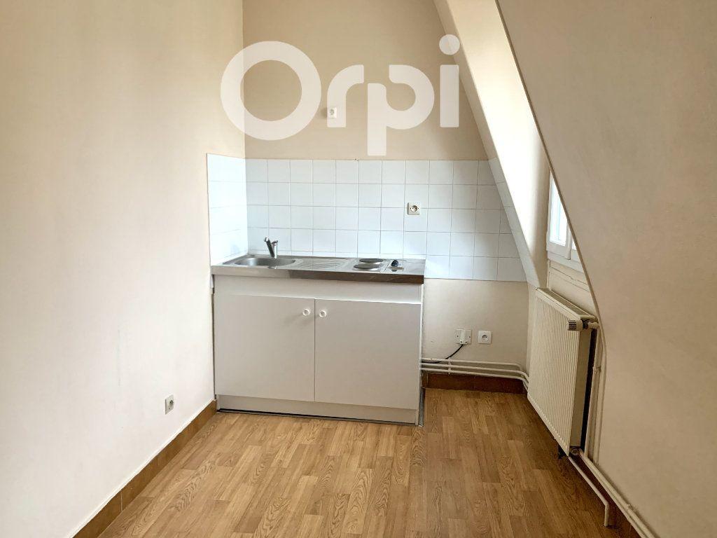 Appartement à louer 4 63.65m2 à Soissons vignette-4