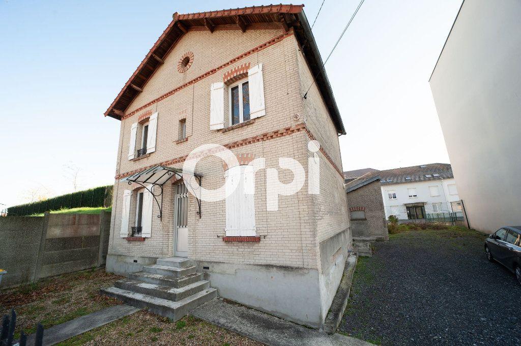 Maison à vendre 6 120m2 à Soissons vignette-1