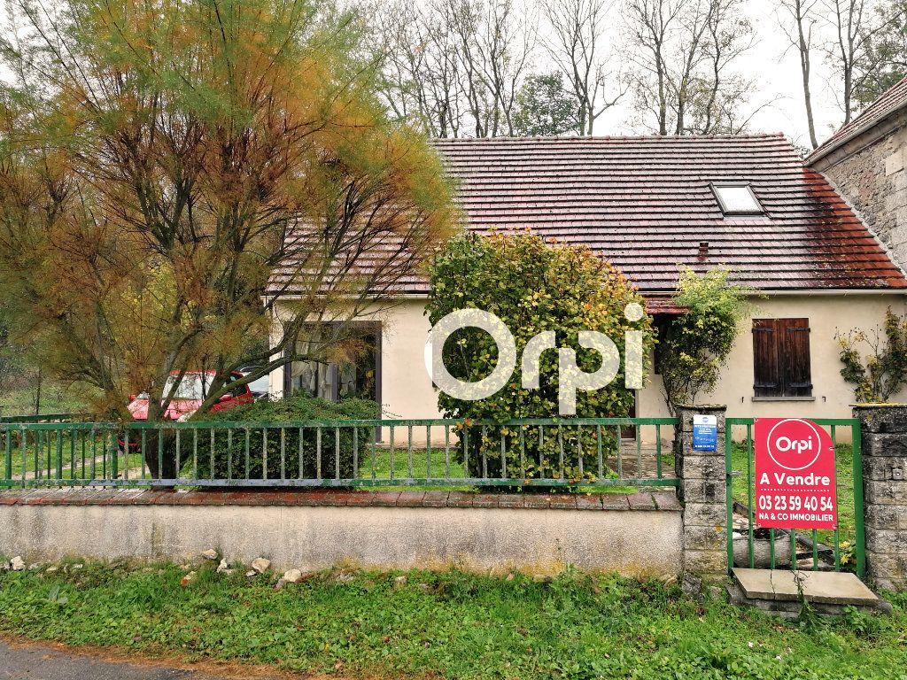 Maison à vendre 5 110m2 à Maast-et-Violaine vignette-1