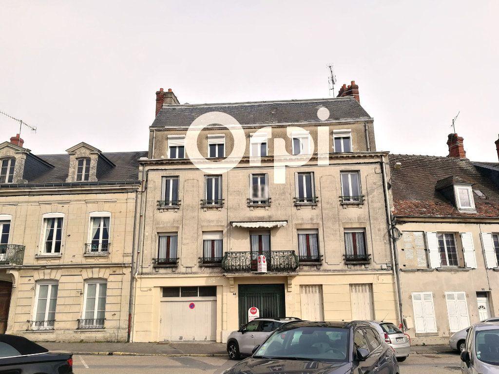 Immeuble à vendre 0 400m2 à Fère-en-Tardenois vignette-1