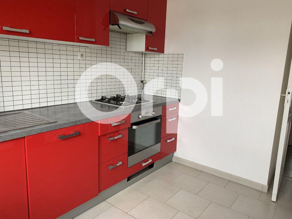 Appartement à louer 2 50m2 à Soissons vignette-2