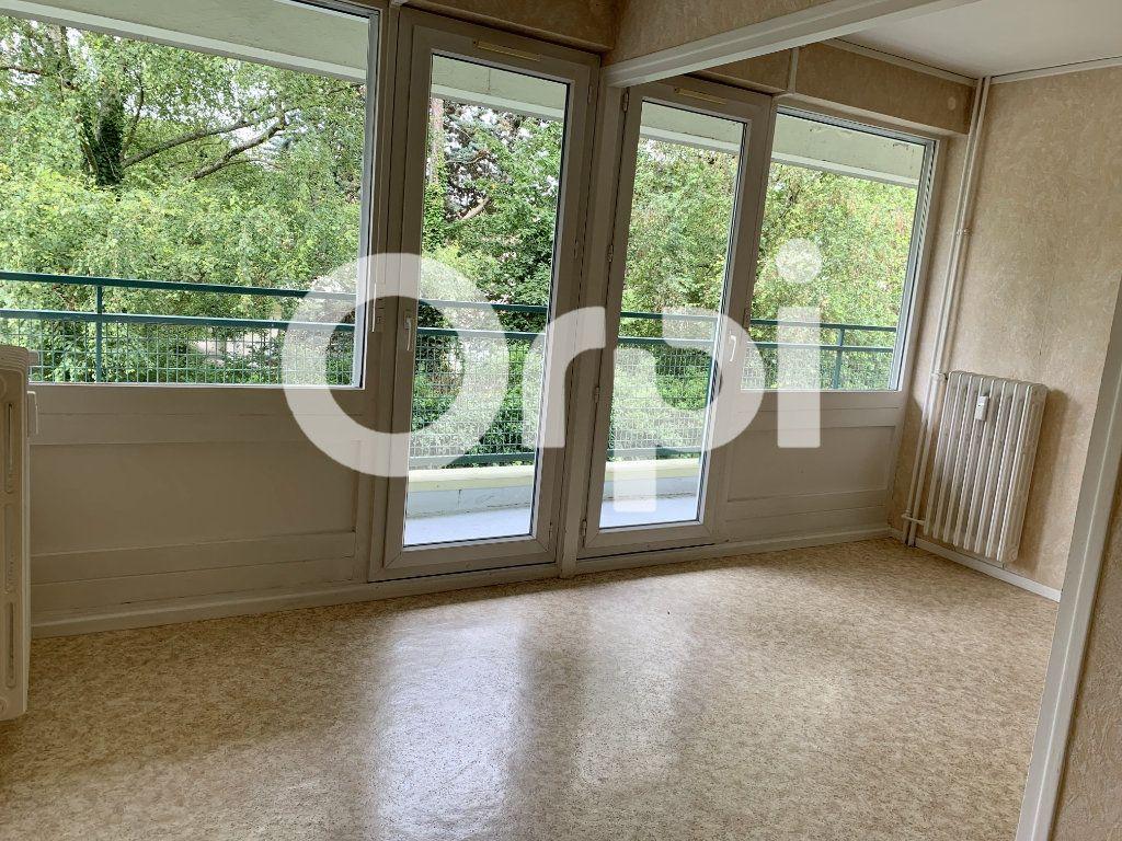 Appartement à louer 5 120m2 à Soissons vignette-1