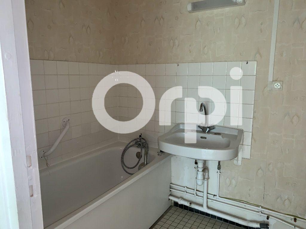Appartement à louer 5 120m2 à Soissons vignette-4