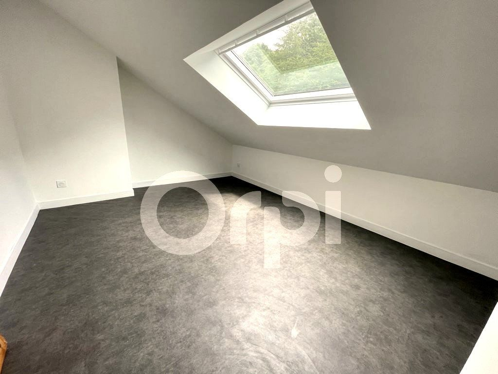 Maison à louer 5 112.74m2 à Saconin-et-Breuil vignette-3