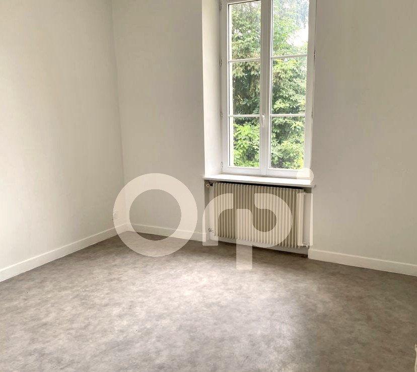 Maison à louer 5 112.74m2 à Saconin-et-Breuil vignette-4