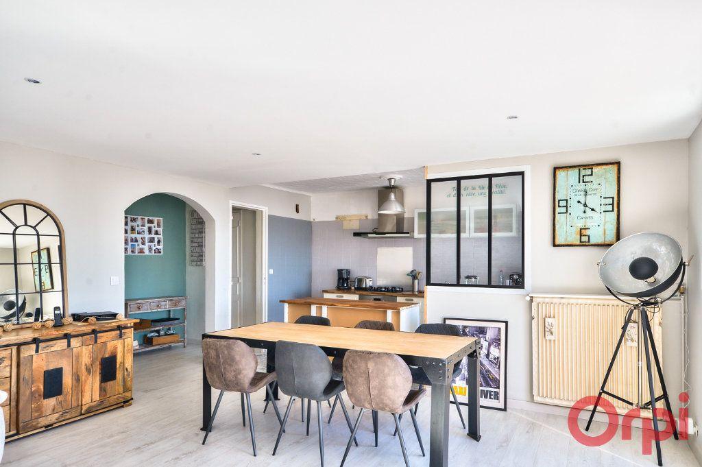 Appartement à vendre 4 70m2 à Port-de-Bouc vignette-3