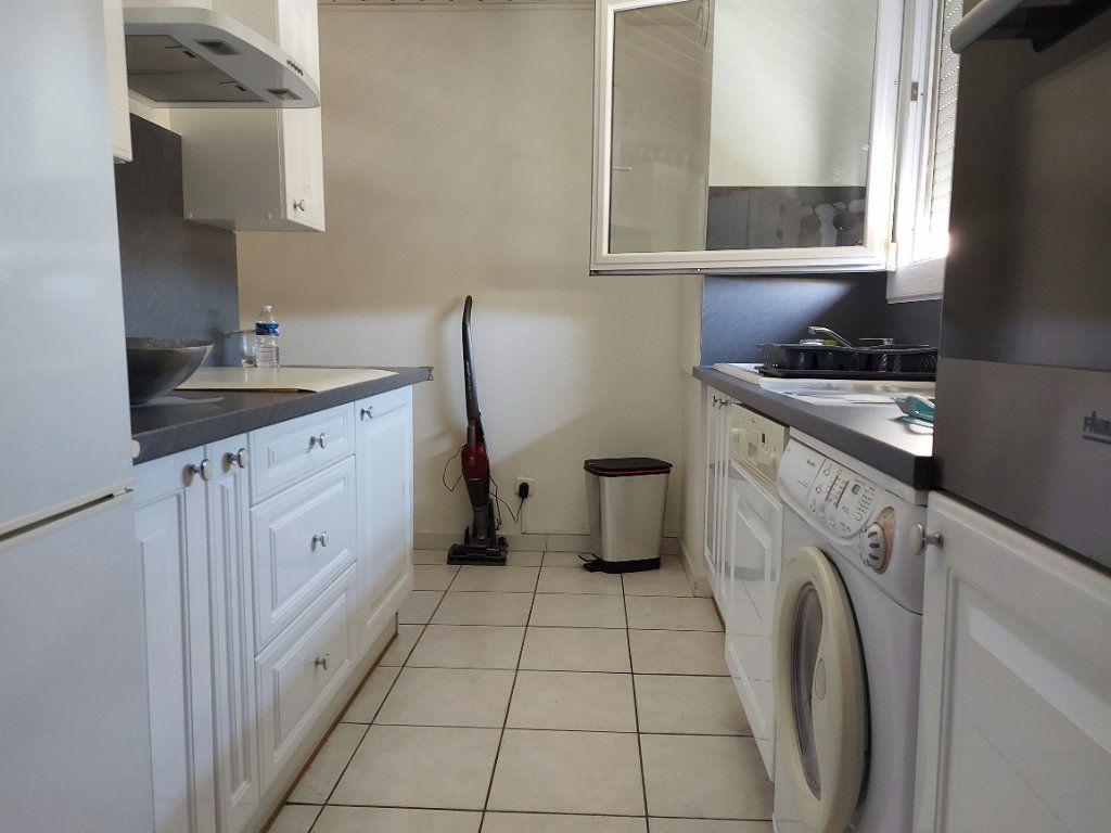 Appartement à vendre 4 95m2 à Martigues vignette-3