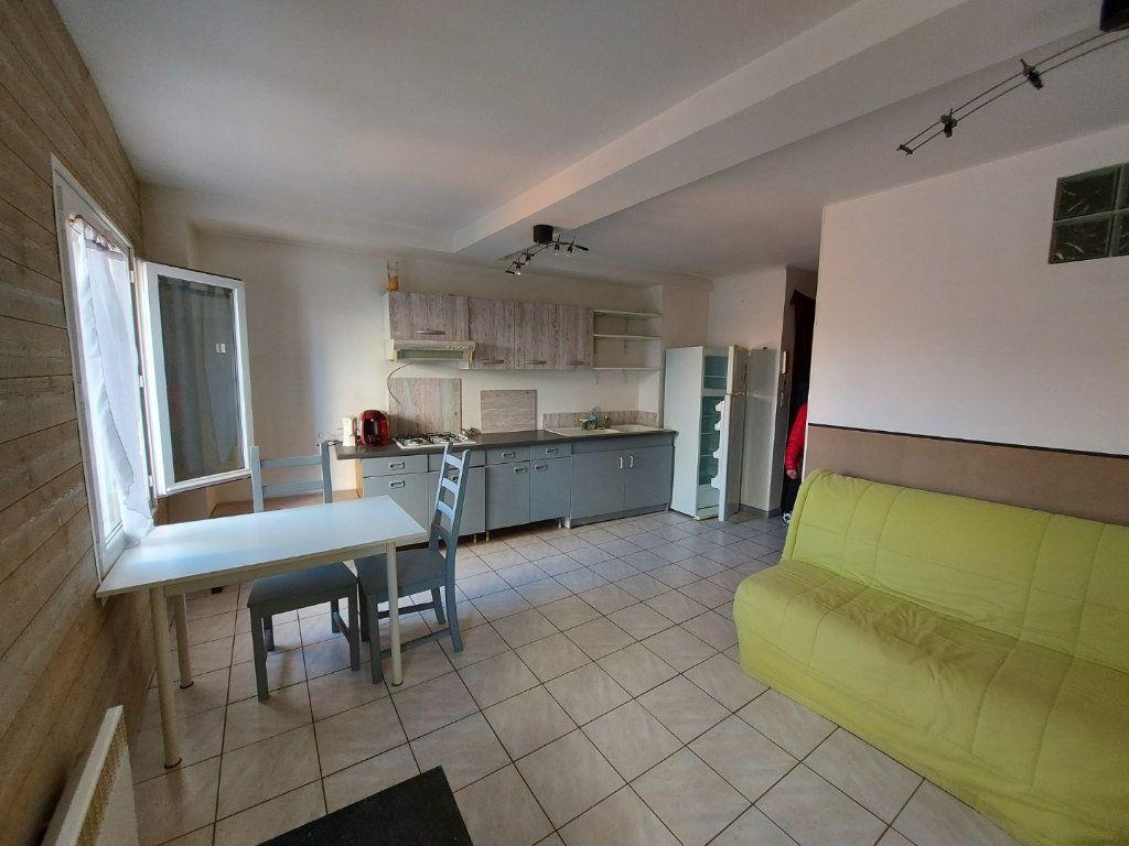 Appartement à louer 2 39m2 à Martigues vignette-1