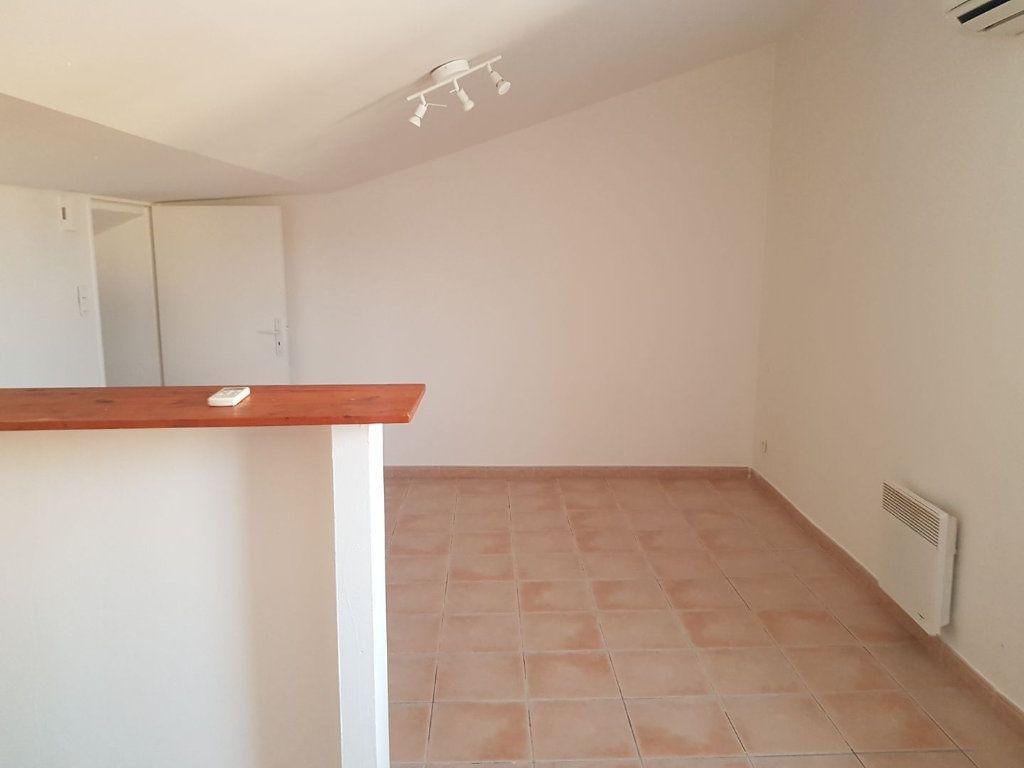 Appartement à louer 1 34m2 à Martigues vignette-2